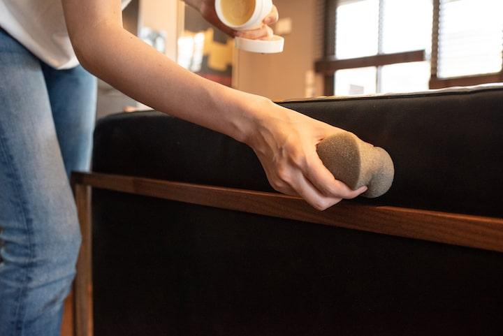 KOKOROISHIの革ソファ(オイルレザー)のメンテナンス