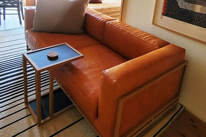 SUN-LIGHT(サンライト)和室と革ソファ/畳ずりのソファ