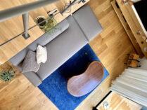 経年変化する和紙のソファ