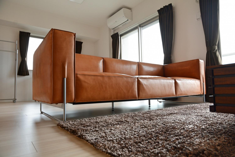 厚革の素材感と軽やかなデザインが気に入っています/KOKOROISHIソファのお客様の声