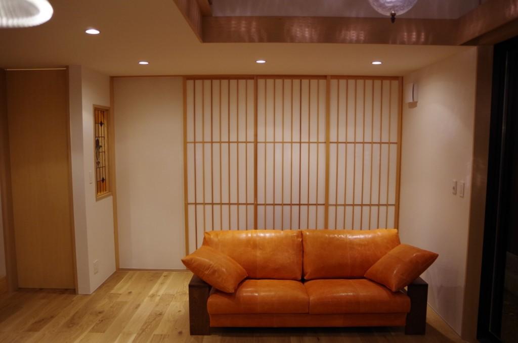 木肘の便利さと、夫婦でゆったり座れるソファ/KOKOROISHIソファのお客様の声