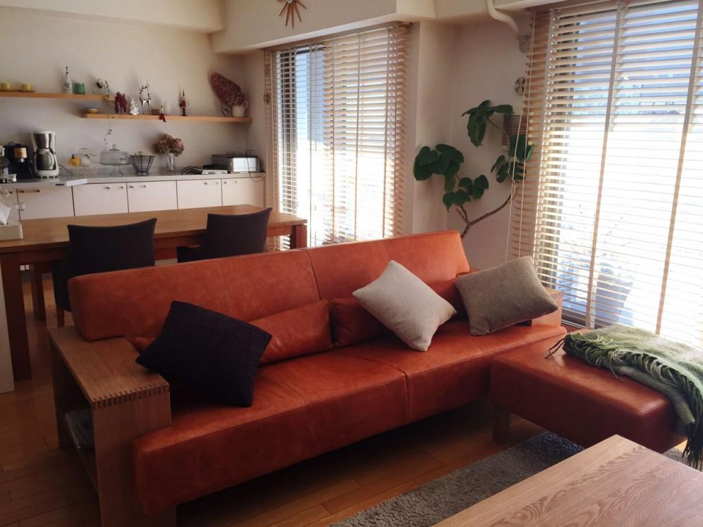 良質なソファを永く使いたく、スタンダードなカタチを/KOKOROISHIソファのお客様の声