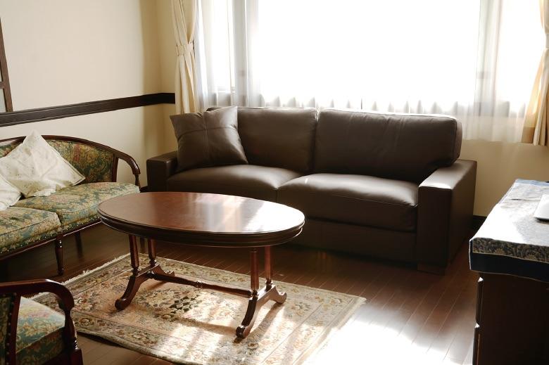 家に馴染む落ち着いたカラーとスタンダードなデザイン/KOKOROISHIソファのお客様の声
