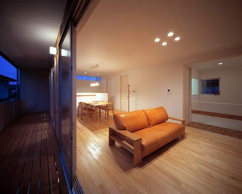 永く使えるオイルレザーのソファを肘のナラ材に/KOKOROISHIソファのお客様の声
