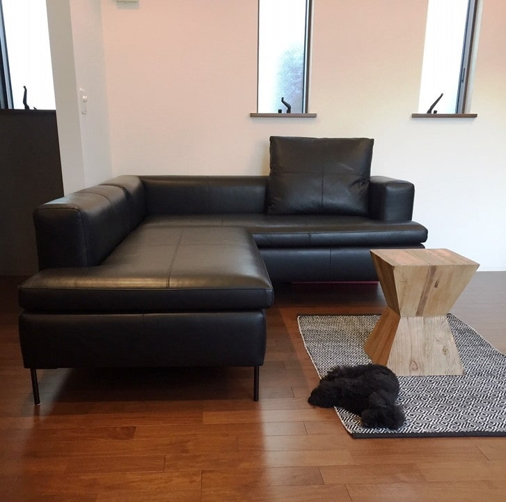 黒革のソファ、LIMA(リマ)